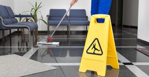 Entreprises de propreté : des métiers particulièrement exposés aux risques professionnels
