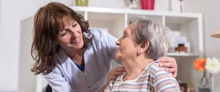 Aides à domicile : comment prévenir les risques professionnels ?