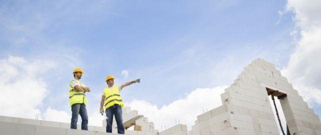 Chantiers de construction de maisons individuelles : des progrès à faire en matière de prévention