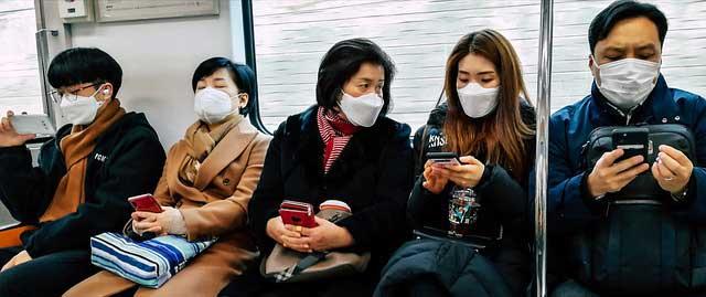 Coronavirus : faut-il s'inquiéter d'une contamination au travail ?