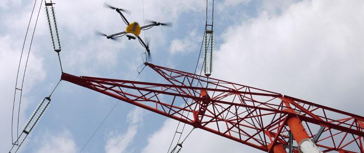 RTE choisit le drône pour surveiller ses installations électriques