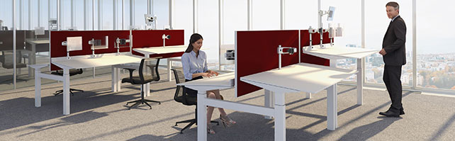 Adopter une bonne posture grâce à des bureaux inclinés
